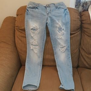 Mossimo Fit 6 Skinny Jeans w/ holes Size 7
